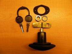 Kis ovális zárbetét, kulcsokkal